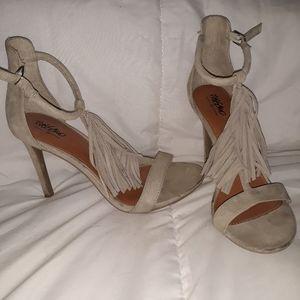 Mossimo sued nude fringe heels 8